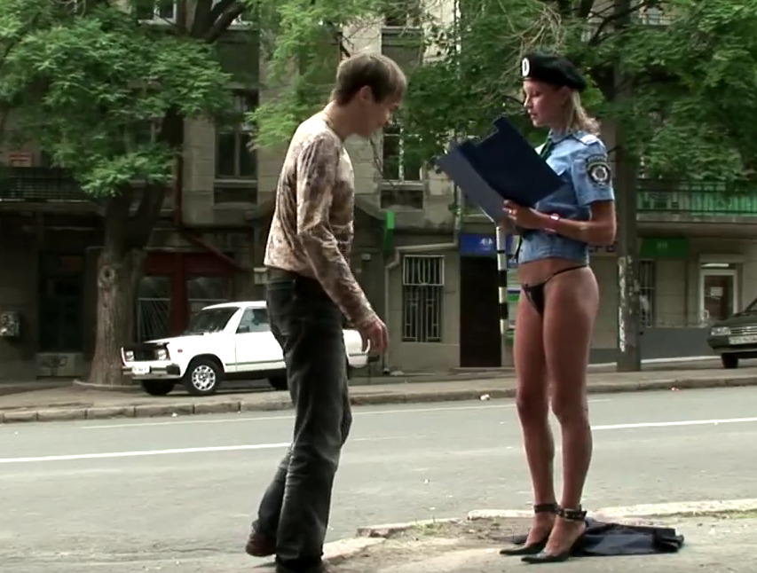 Γυναίκα αστυνομικός χωρίς… φούστα