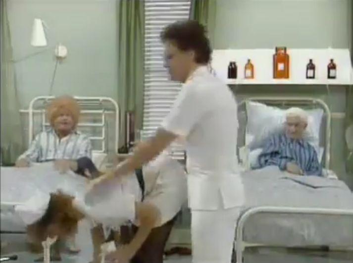 Ο Μπένυ Χιλ στο νοσοκομείο
