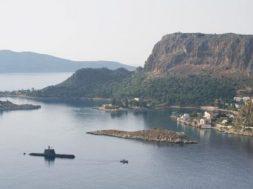 Επίδειξη σημαίας στο Καστελόριζο από υποβρύχιο του ΠΝ